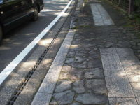 現代の石畳歩道