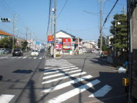 国道一号線[常剱寺入口]信号を右手へ